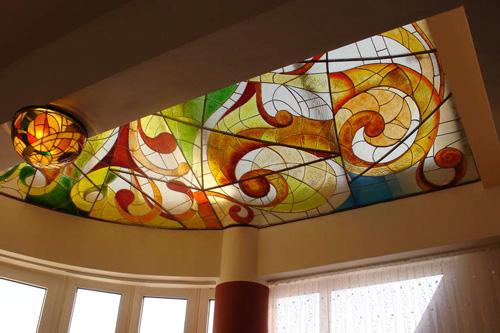 Deckenkunst aus Glas
