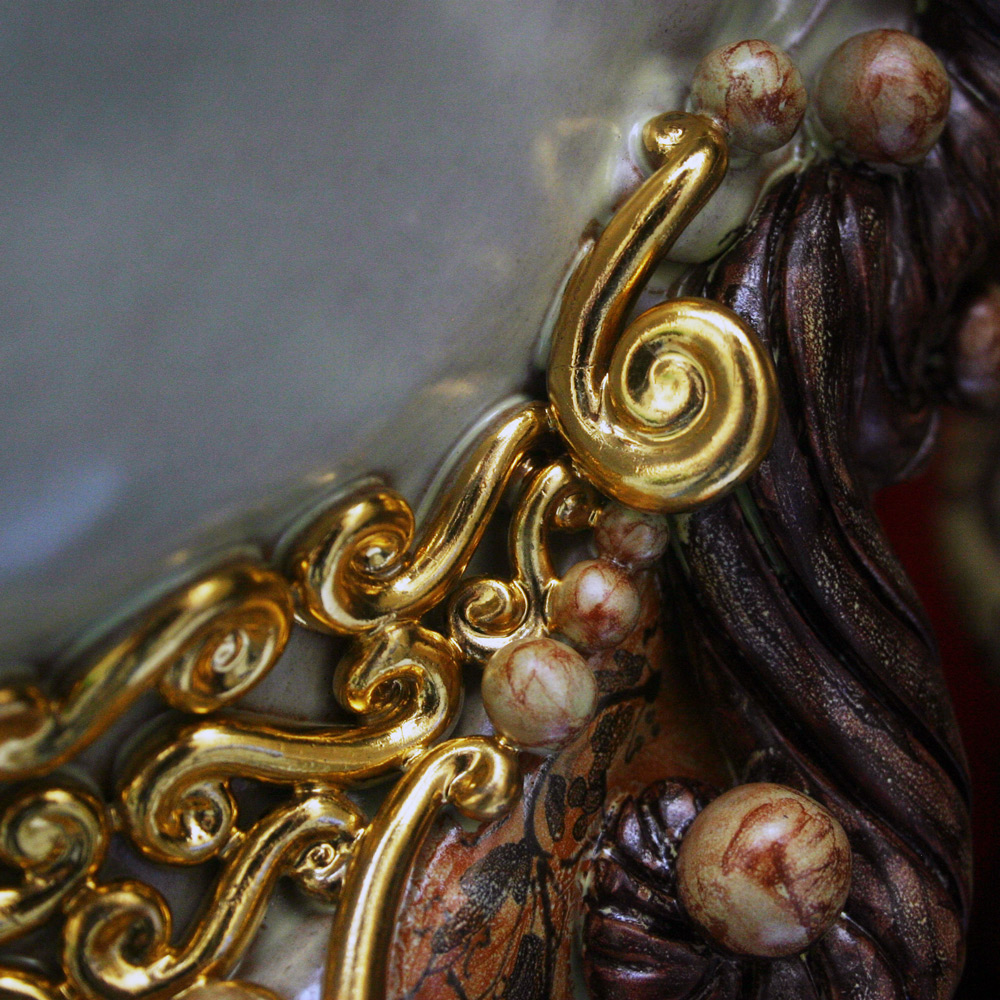 Vergoldete Keramik Kunst