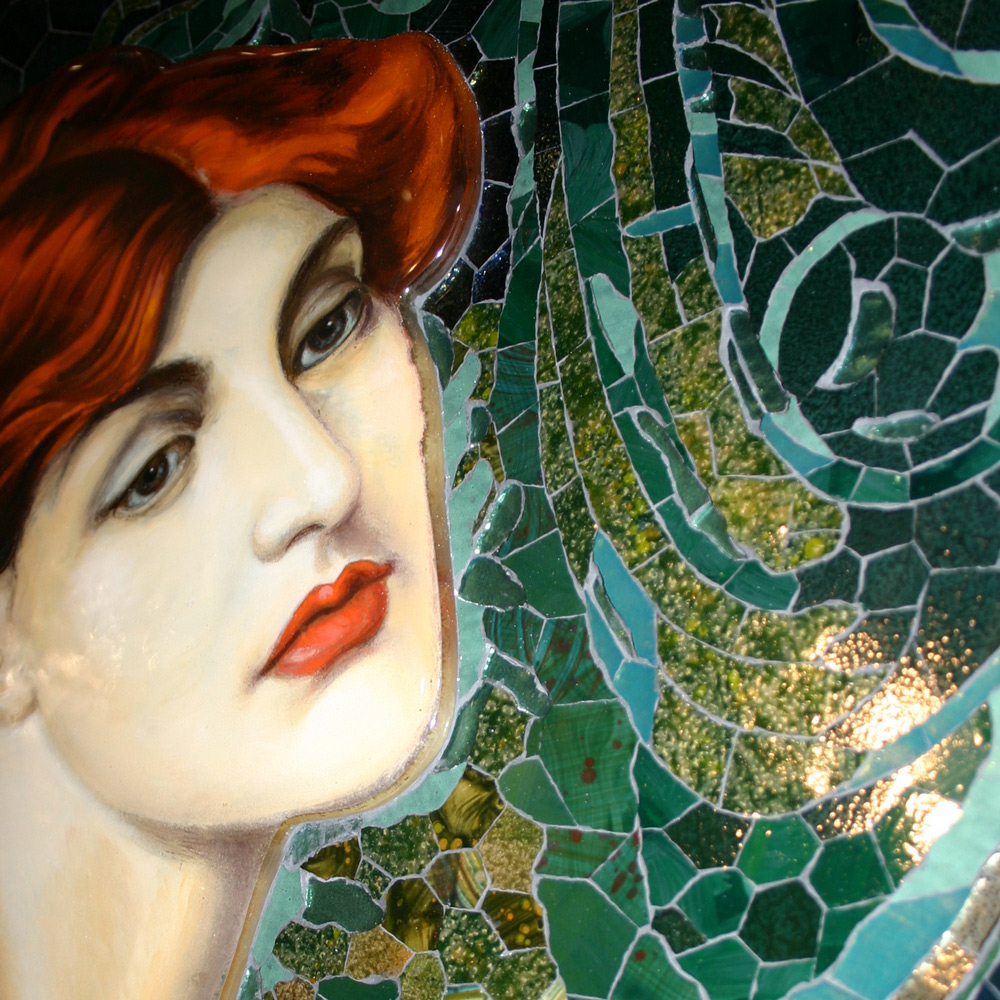 Nahaufnahme des Gesichts im Mosaik nach Rossetti